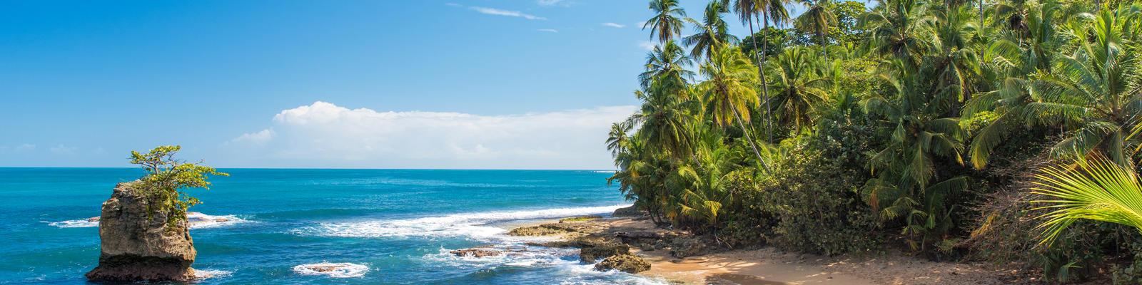 Beach of Manzanillo at Puerto Viejo, Costa Rica (Photo: Simon Dannhauer)