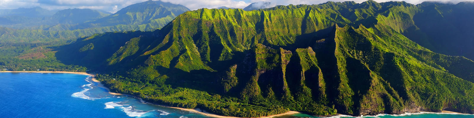 Na Pali Coast, Kauai, Hawaii (Photo: MNStudio/Shutterstock)