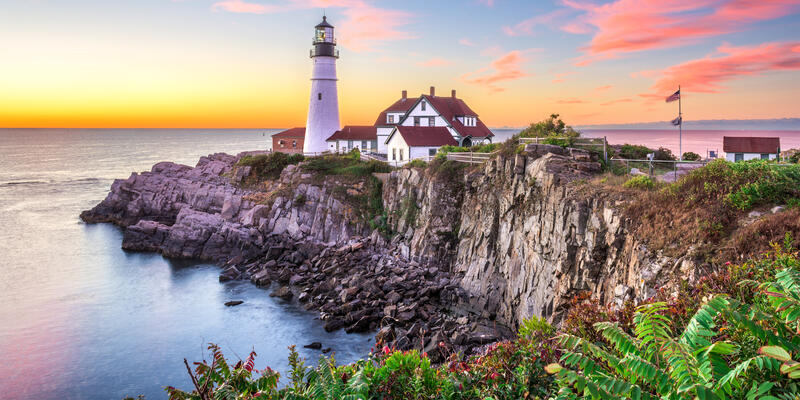 Portland Head Lighthouse in Cape Elizabeth, New England, Maine (Photo: Sean Pavone/Shutterstock)