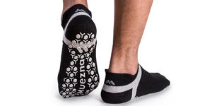 Muezna Men's Non Slip Yoga Socks (Photo: Amazon)