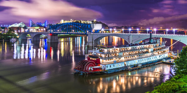 Delta Queen in Chattanooga, Tennessee (Photo: Sean Pavone/Shutterstock)