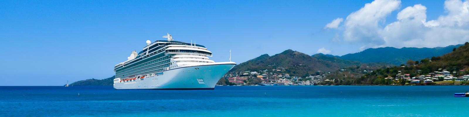 Cruise ship in the Caribbean (Photo: NAPA/Shutterstock.com)