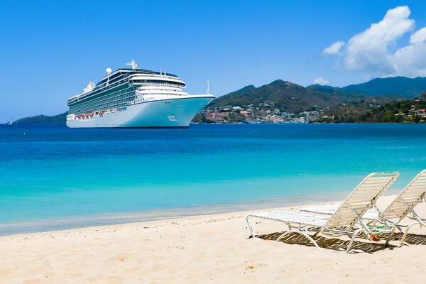 Cruise ship in the Caribbean (Photo: NAPA/Shutterstock.com)