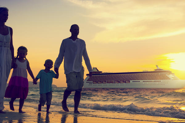 8 Essential Tips for Taking a Luxury Cruise With Kids (Photo: Rawpixel.com/Shutterstock)