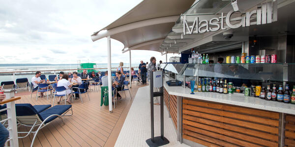 Mast Grill on Celebrity Eclipse (Photo: Cruise Critic)