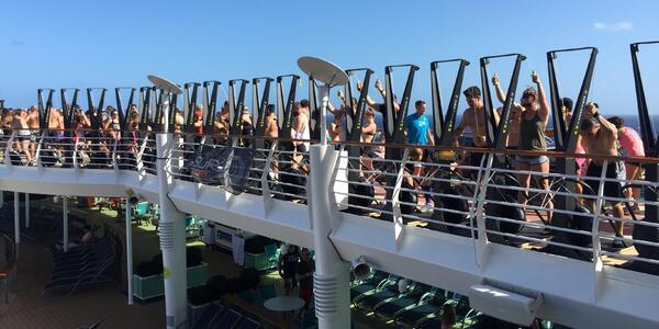 Team workout on WOD of the Waves (Photo: Ashley Kosciolek/Cruise Critic)
