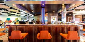 Hot Stone Dining on Marella Discovery 2 (Photo: Marella Cruises)