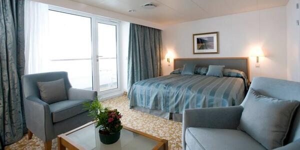 Superior Suite (Grade SS) on Board Braemar (Photo: Fred Olsen Cruises)