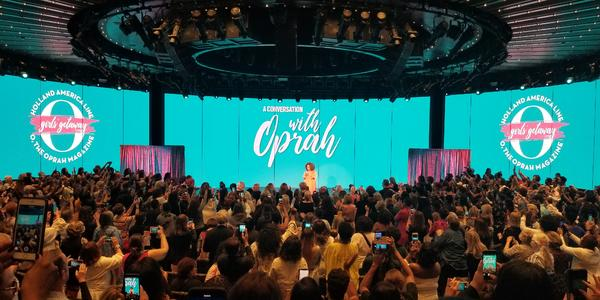 Oprah Winfrey hosting a talk at the Girls' Getaway sailing on Nieuw Statendam (Photo: Colleen McDaniel)