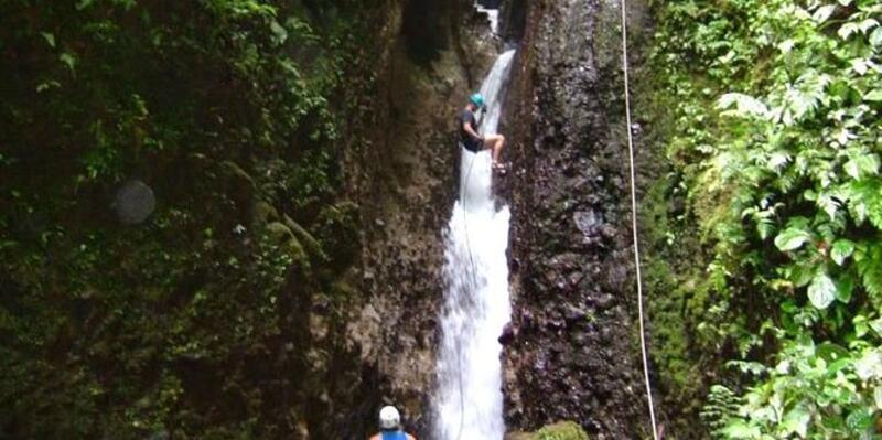 Canyon hiking tour in Dominica (Photo: Viator)