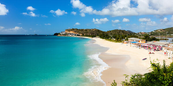 Antigua (Photo: BlueOrange Studio/Shutterstock)