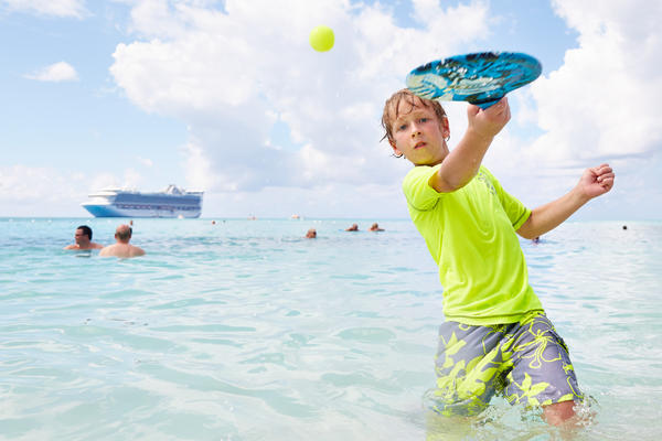 Kid playing while in port (Photo: Princess Cruises)