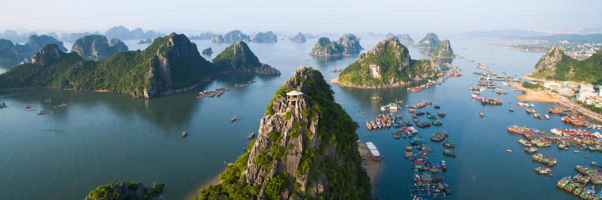 Halong Bay (Photo:Jimmy Tran/Shutterstock)