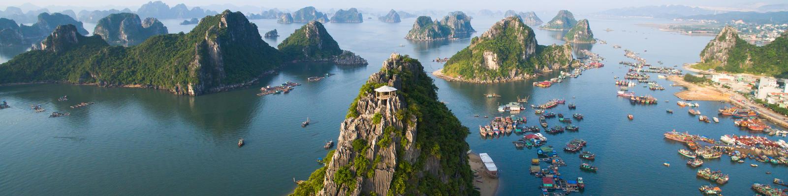 Halong Bay (Photo:Jimmy Tran/Shutterstock)