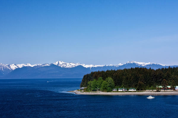 Icy Strait (Photo:akphotoc/Shutterstock)