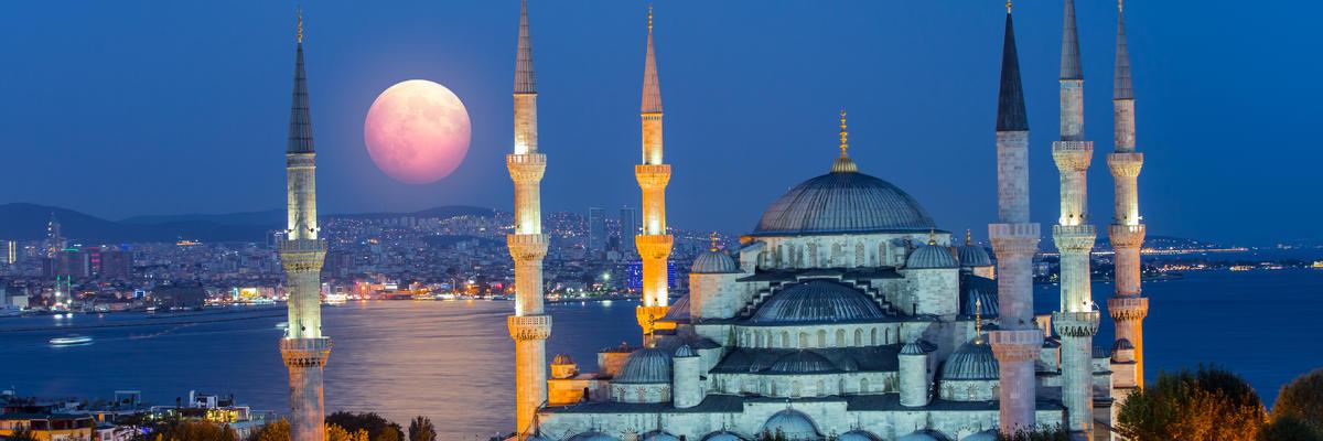 Istanbul (Photo:muratart/Shutterstock)