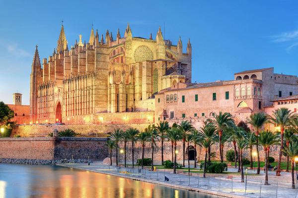 Palma de Mallorca (Photo:osmera.com/Shutterstock.com)