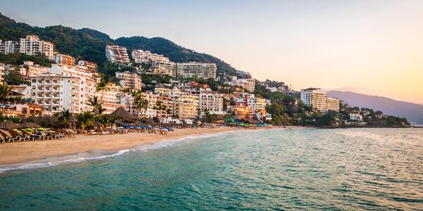 Puerto Vallarta (Photo:Diego Grandi/Shutterstock)