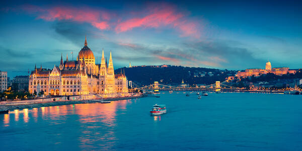 Parliament Building, Budapest, Hungary (Photo: Andrew Mayovskyy/Shutterstock)