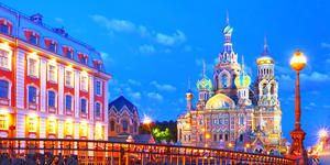 Church of the Savior on Blood from Teatralny Bridge in St. Petersburg (Photo:hramovnick/Shutterstock)