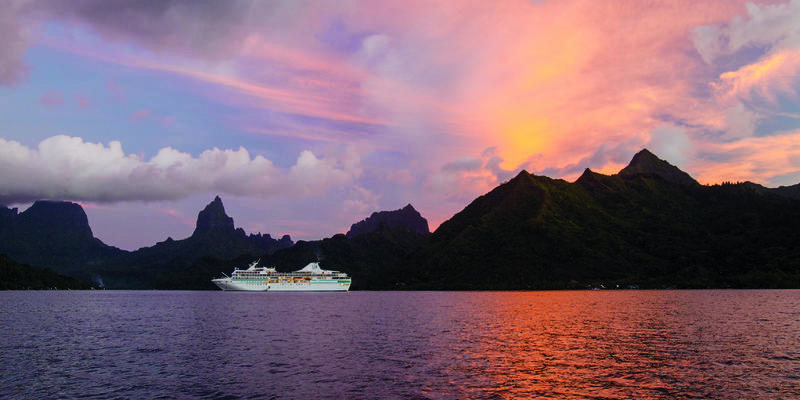 10 Things Not to Do on South Pacific Cruises (Photo: Paul Gauguin Cruises)