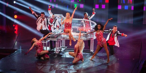 Entertainment on Carnival Breeze (Photo: Cruise Critic)