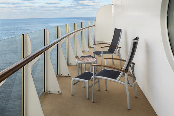 10 Things Not to Do on a Cruise Ship Balcony (Photo: Royal Caribbean International)