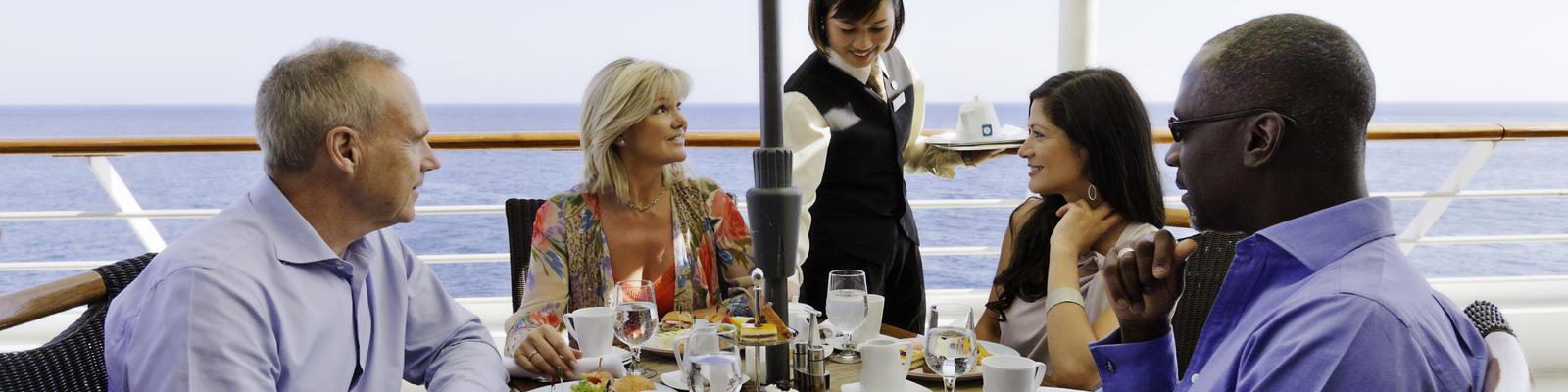 Dining on Azamara Quest (Photo: Azamara Club Cruises)