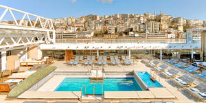 Pool Deck on Viking Sun (Photo: Viking Ocean Cruises)