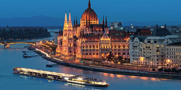 Scenic Jade cruising past the Parliament Building in Budapest, Hungary (Photo: Scenic)