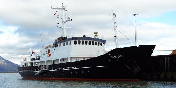 M/S Sjoveien (Photo: PolarQuest)