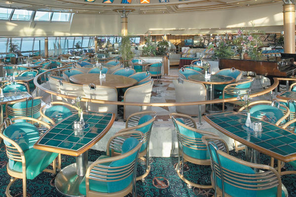 10 Tips for Stretching Your Cruise Dollars Onboard (Photo: Royal Caribbean International)