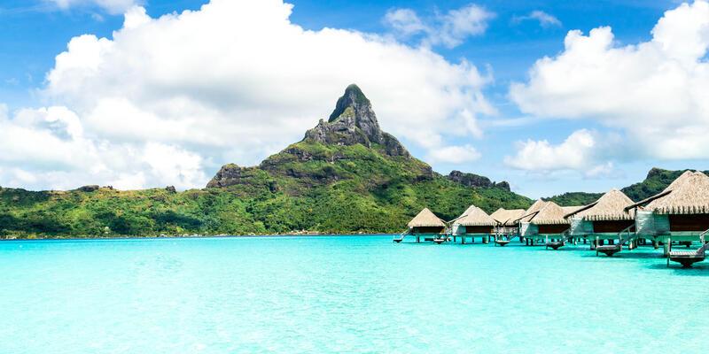 Bora Bora (Photo: Marcelo Alex/Shutterstock)