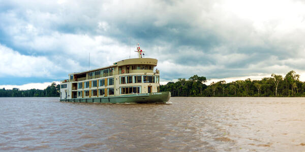 Delfin III (Photo: Delfin Amazon Cruises)