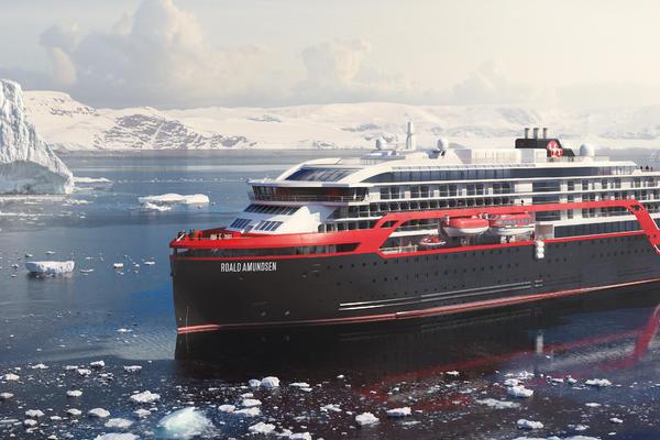 Roald Amundsen (Photo: Hurtigruten)