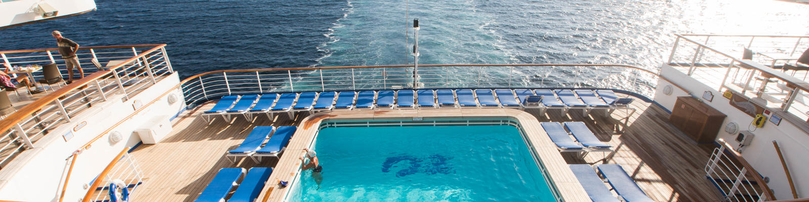 The Terrace Pool on Caribbean Princess (Photo: Cruise Critic)