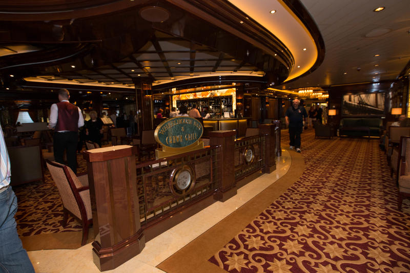 Wheelhouse Bar and Crown Grill on Regal Princess