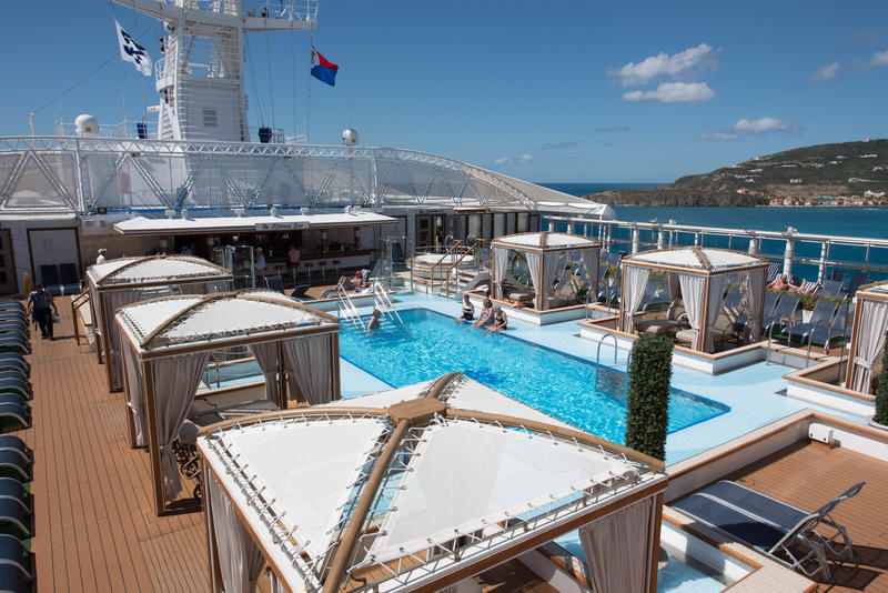 Retreat Pool on Regal Princess