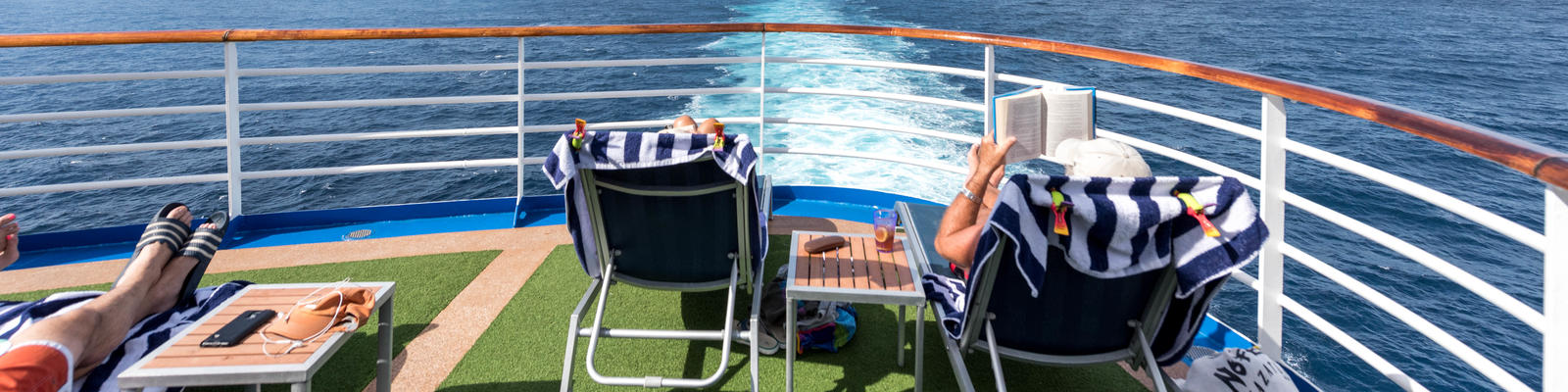 Cruise passengers on Emerald Princess (Photo: Cruise Critic)