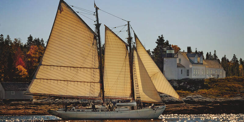 Ladona (Photo: Maine Windjammer Association)