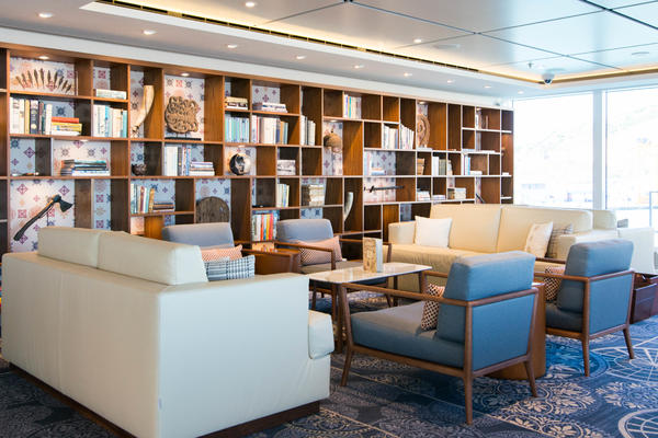 Explorers' Lounge on Viking Star (Photo: Cruise Critic)