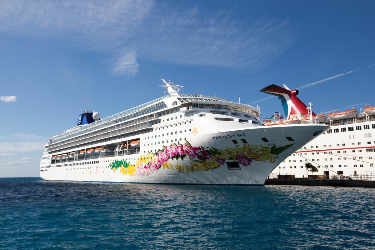 11 Types Of Cruise Ship Jobs That Fit Your Interests