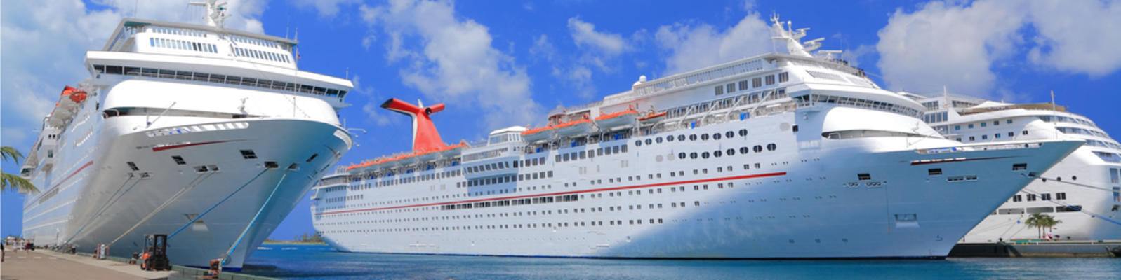 What's the Best Cruise Ship Size for You? (Photo: Worachat Sodsri/Shutterstock)