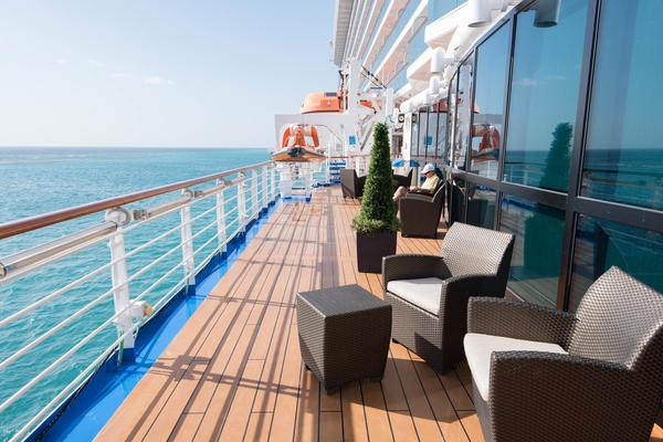 Royal Promenade on Royal Caribbean Cruises (Photo: Cruise Critic)