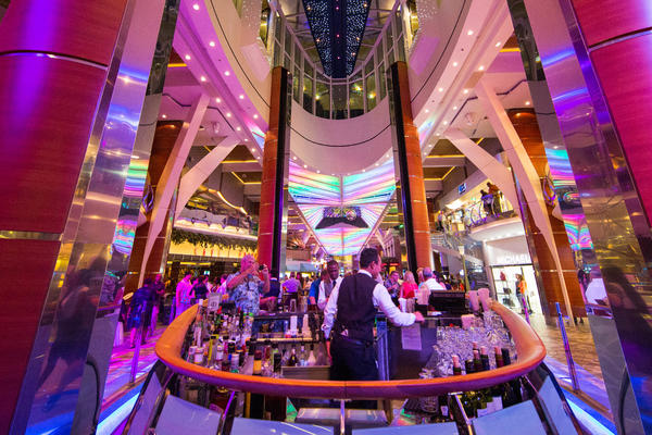 Rising Tide Bar on Oasis of the Seas (Photo: Cruise Critic)