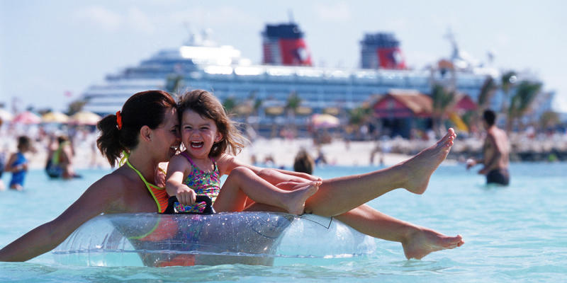 Mother and daughter in Castaway Cay (Photo: Disney Cruise Line)