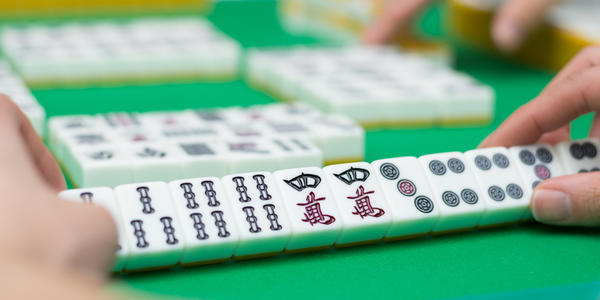 Mah Jongg Cruises: How to Play Onboard (Photo: polkadot_photo/Shutterstock.com)