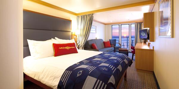 Disney Cruise Line's Deluxe Family Oceanview Stateroom with Verandah on Disney Dream (Photo: Disney Cruise Line)