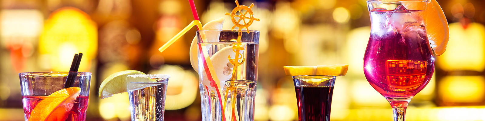 Fred. Olsen Cruise Lines Alcohol Policy (Photo: Goncharov_Artem)
