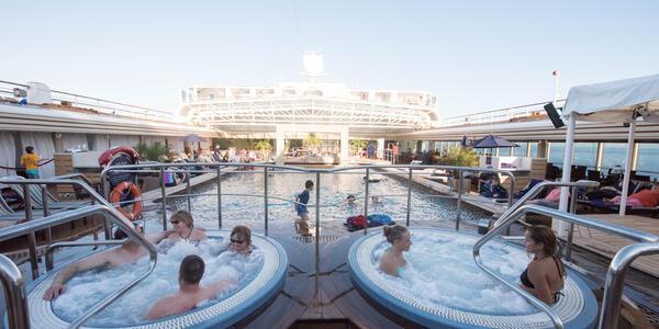 The Lido Pool on Eurodam (Photo: Cruise Critic)